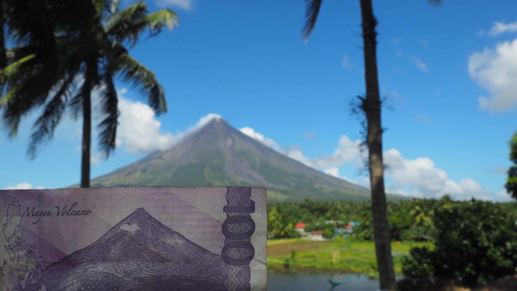 Le Mont Mayon se retrouve même sur le billet de 100 PhP.